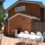 A photo of QUEENSGATE MOTEL accommodation - BookinDirect